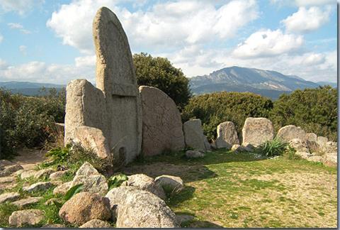 Tomba dei Giganti S'Ena e Tomes