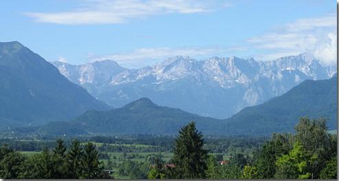 Höllenstein und Wettersteingebirge