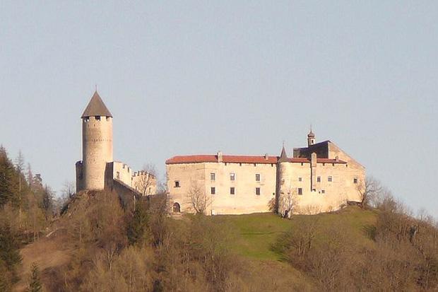 Schloss Sprechenstein